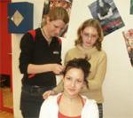 Arbeiten mit einer Friseurin